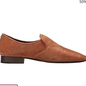 FRYE Ashley Slip-On Flats in Came Size 6